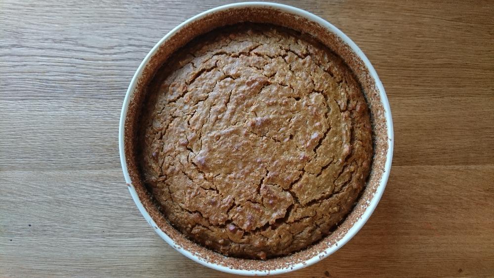 Mrkvový bezlepkový dort s makovou polevou z kešu